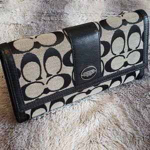 Coach Bags - LIKE NEW Coach Signature Checkbook Wallet Leather